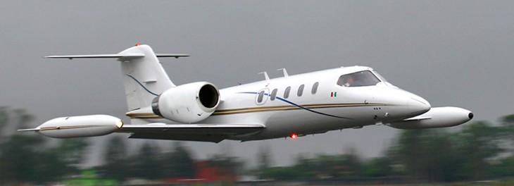Lear-Jet-45